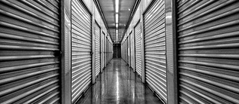 Le self stockage : le compromis entre un garde-meuble et un box
